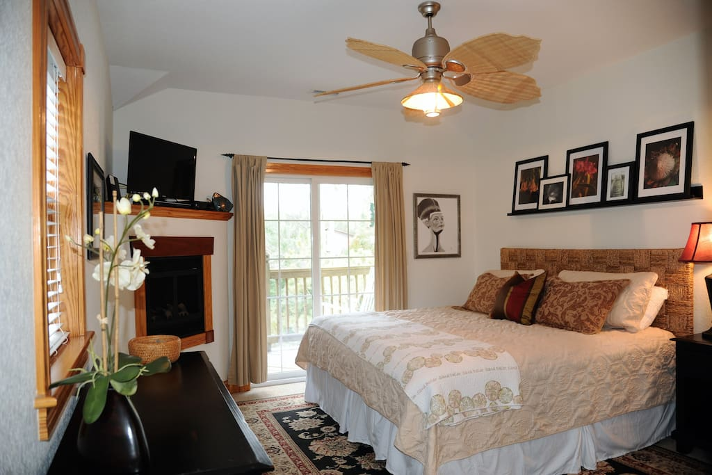 OBX Waterfall Crow's Nest South~Master King with private bath, balcony & fireplace 3rd level