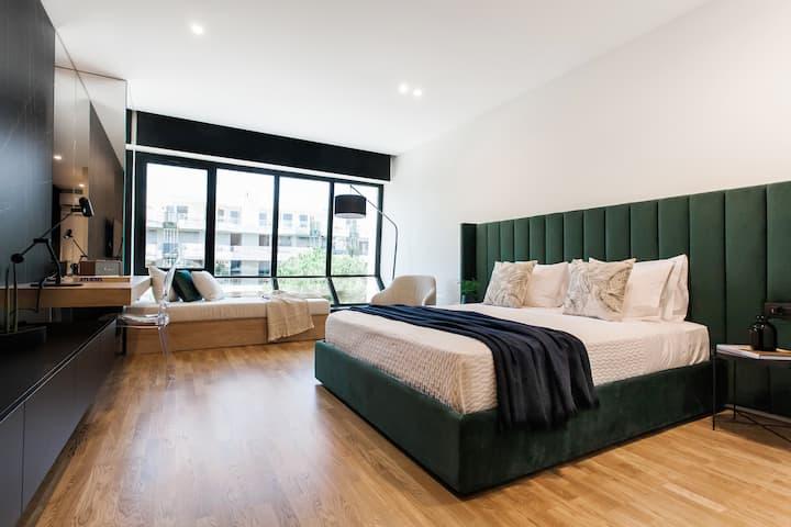 Glyfada Luxury Suite One