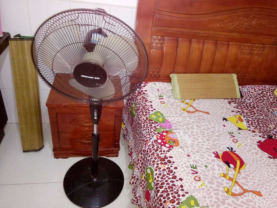 You can use the electric fan      您可以使用电风扇