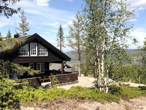 Ny hytta på Trysilfjellet sör med underbar utsikt