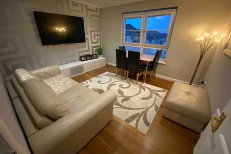 Modern & Stylish New Build Apartment