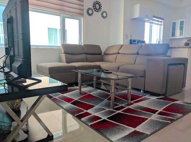 Harloe's Luxury Condominium