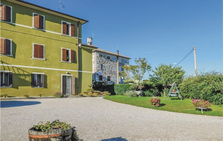Holiday apartment with 2 bedrooms on 70m² in Covolo di Pederobba TV