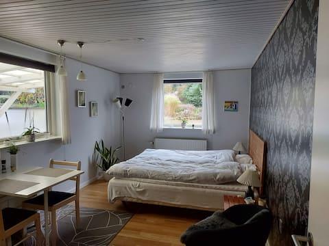 Lyst værelse direkte til Gudenåen Silkeborg