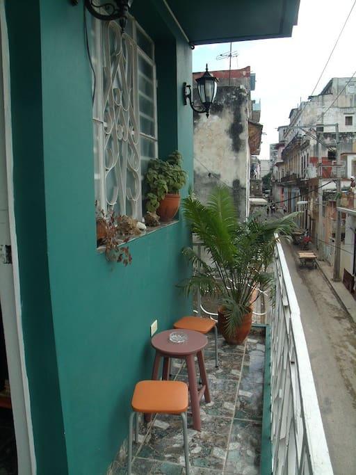 Respira el aire cosmopolita de La Habana...