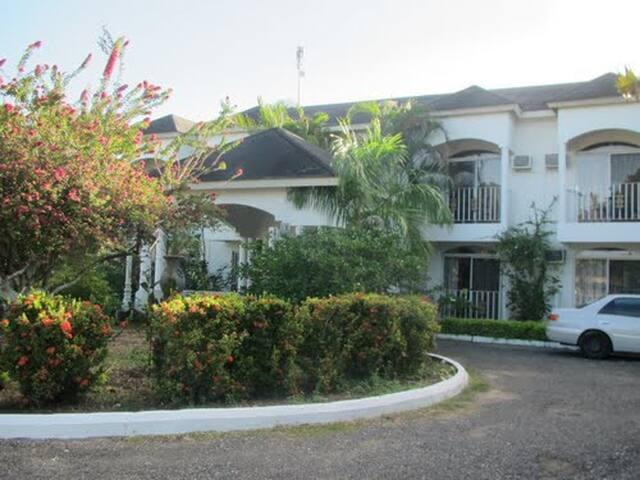 Hotel Commingle Jamaica