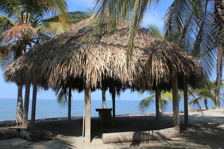 Estupendo apartamento en Condo junto a la Playa