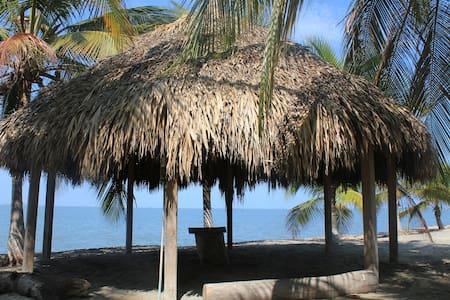 Estupendo apartamento en Condo junto a la Playa - Santa Marta - Apartment