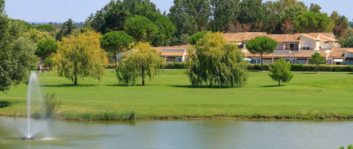 Maison vue golf avec piscine calme - La Grande-Motte