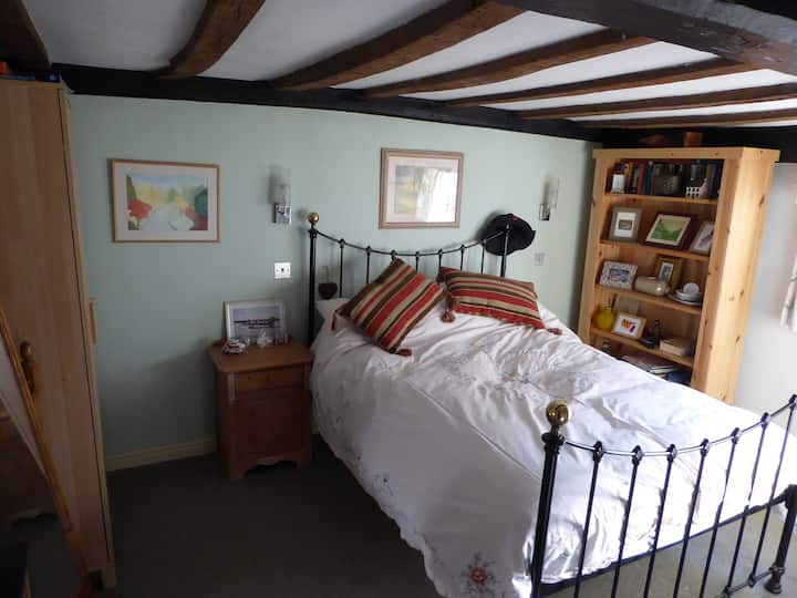 Double bedroom & private bathroom in Manningtree