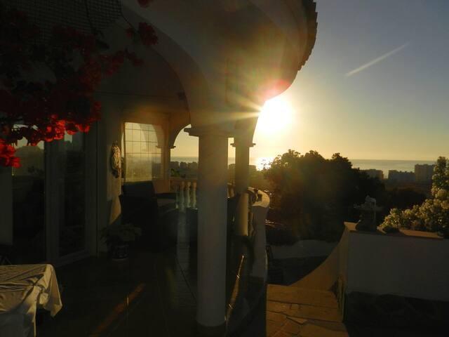 STYLISH SUNNY HOUSE WITH GREAT VIEWS +EXTRA STUDIO - Peñíscola - Casa