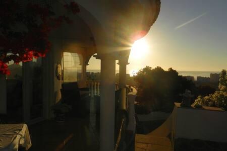 STYLISH SUNNY HOUSE WITH GREAT VIEWS +EXTRA STUDIO - Peñíscola