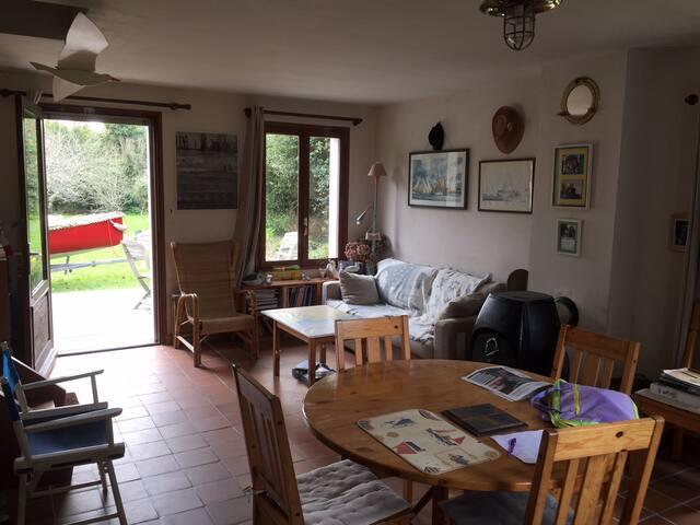 Charming house. Ile aux Moines. Morbihan