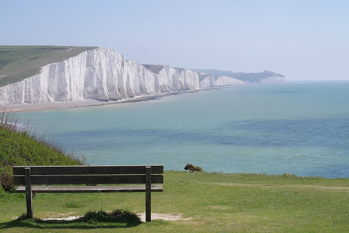 Buddy's Rest - Stunning Views to the South Downs