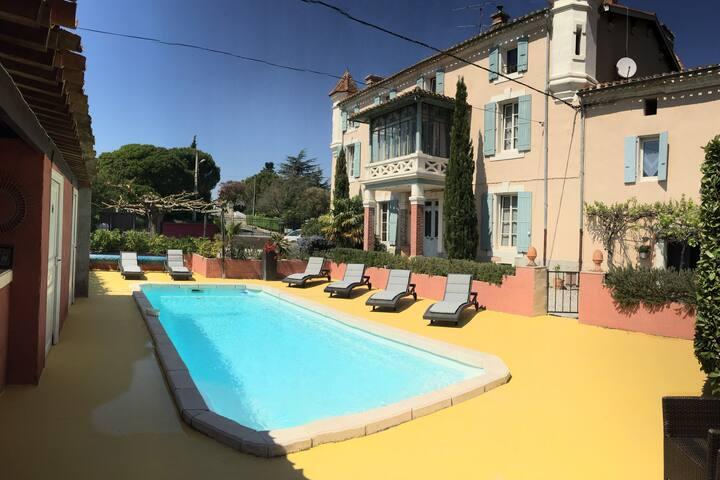 château privatif avec piscine juste pour vous