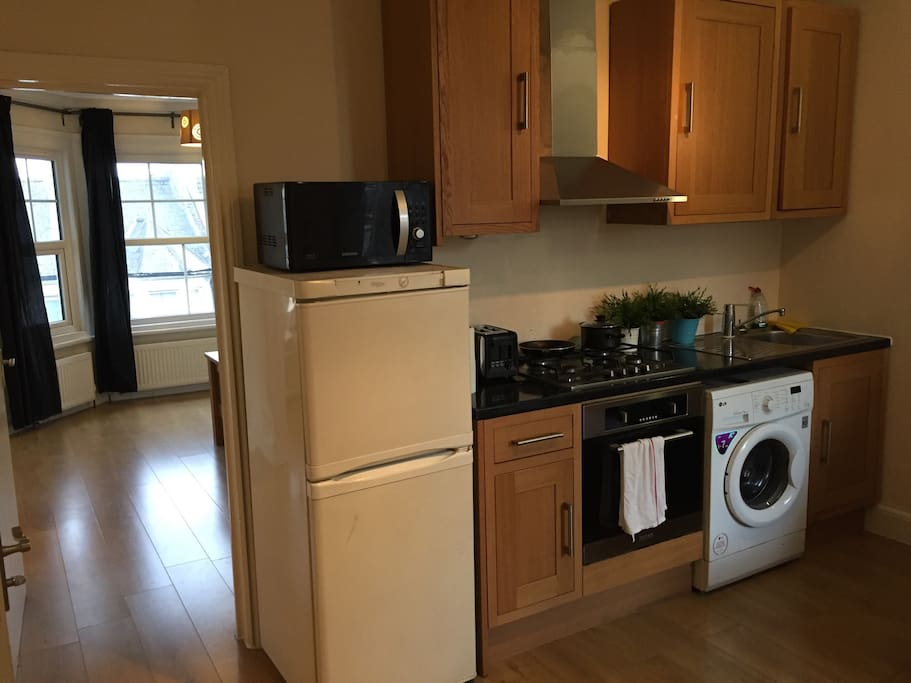Open plan kitchen/ Diner with fully fitted kitchen inc new appliances ..