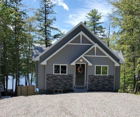 Maine Lakeside Retreat