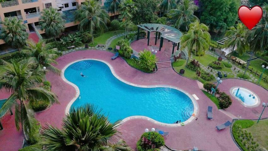 Superb location to Sunway Lagoon#Swimmingpoolview