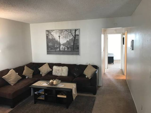 Room share/nice apartment - El Cajon - Apartment