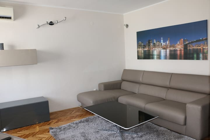 Nice apartment with great location