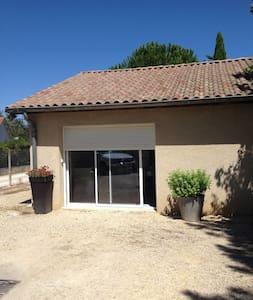 """studio """" Le Pavillon """" - Romans-sur-Isère - Apartment"""