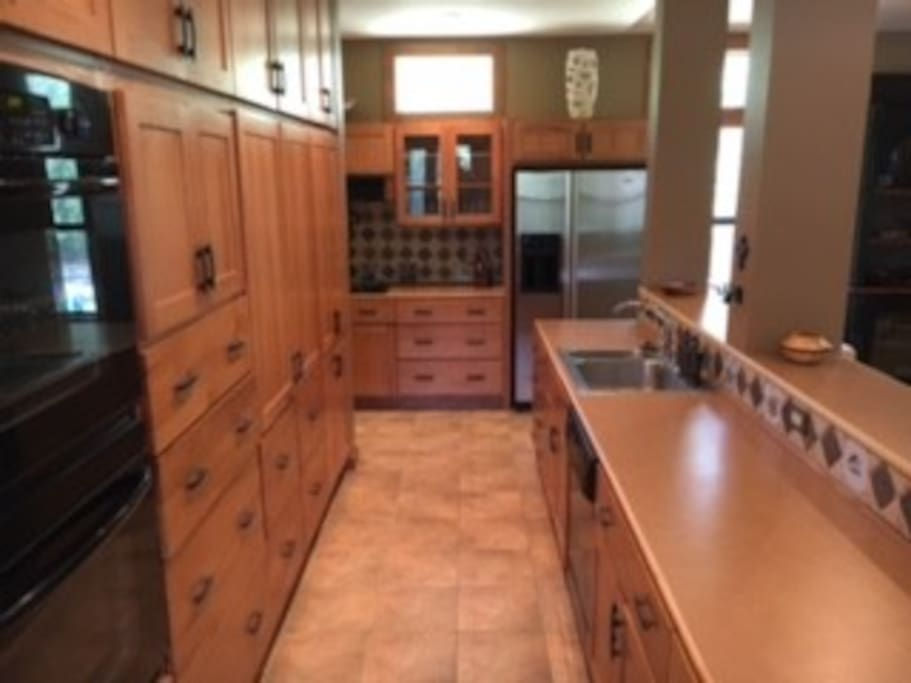 Kitchen with lots of space