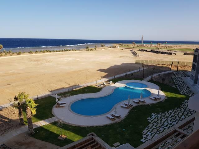Soma Bay Breeze، ground floor,Pool& sea view,Apt.2