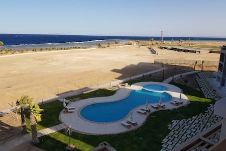 Soma Bay Breeze، ground floor,Pool& sea view,Apt.2