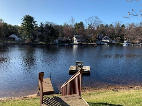 Awesome 3 bed vacation lake house. Great location!