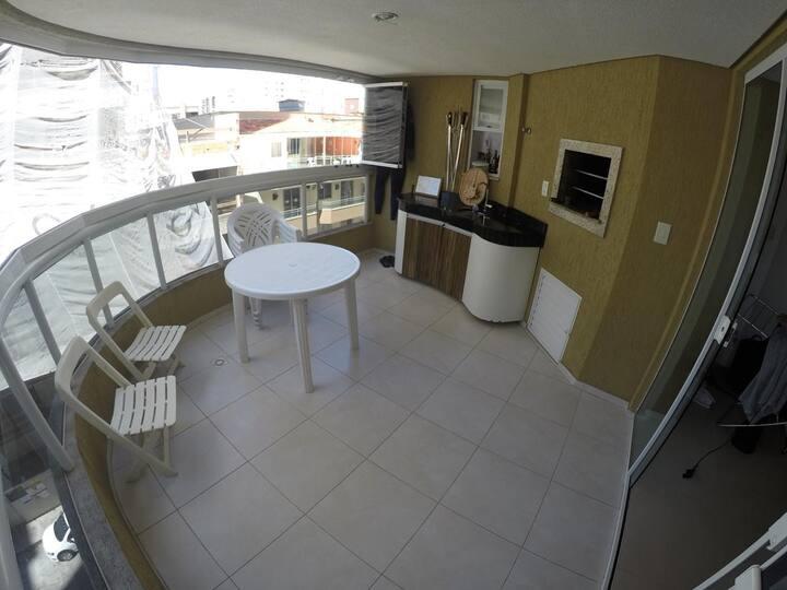Apartamento completo, ar condicionado meia praia