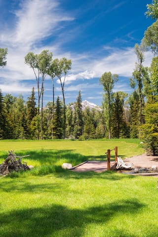 Adventure Awaits at Indescribable Abode at Moonshine Retreat near Snake River