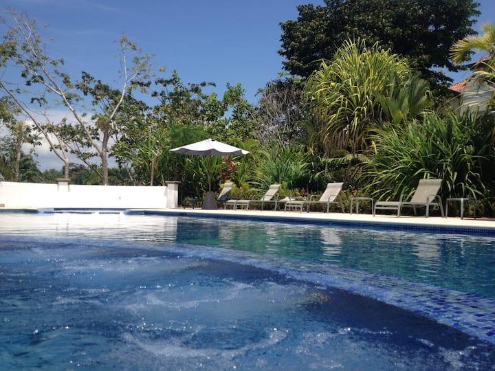 Luxury Condominium Del Pacifico Resort, Bejuco