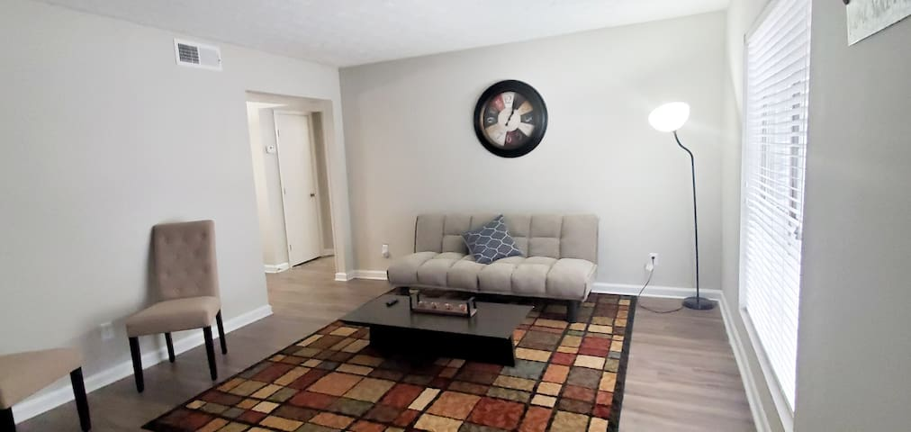 SPACIOUS PRIVATE 1 BED APT W/ BRAND NEW APPLIANCES