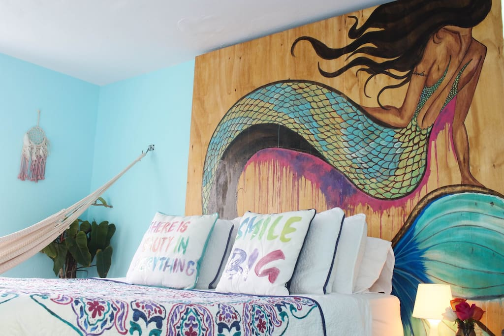 Bright, colorful, and good for the soul. The Soul Room will have you relaxed in minutes.