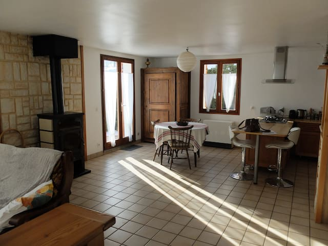Country house, 5 minutes by car to lake Paladru