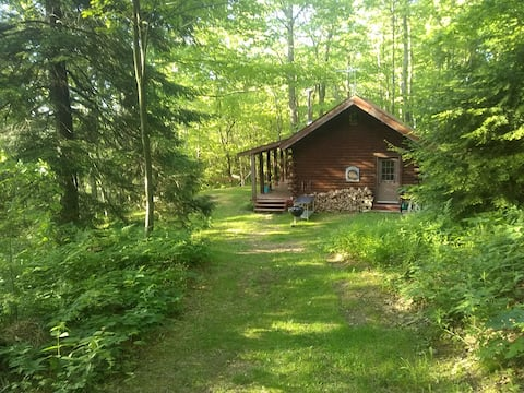 Pine Hill Retreat, Log Cabin, 30acres