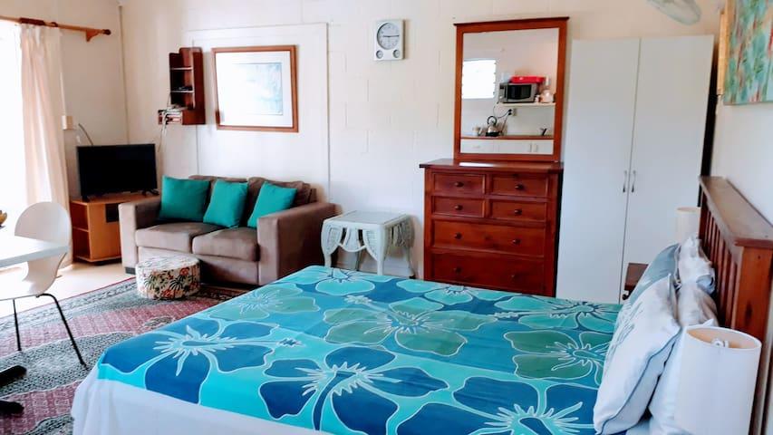 Heron's Reef #2 Bougainvillea Studio