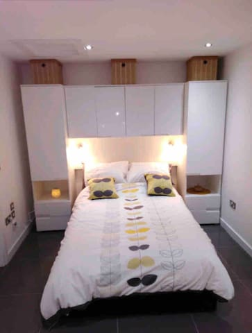Full double bed., fitted wardrobes, ample storage.