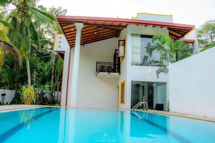 Villa white - Hikkaduwa - Villa