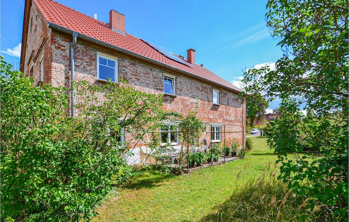 Amazing home in Uckerland with 5 Bedrooms