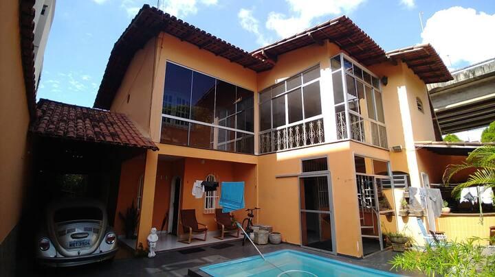 Suíte ampla em linda Casa na Praia da Costa