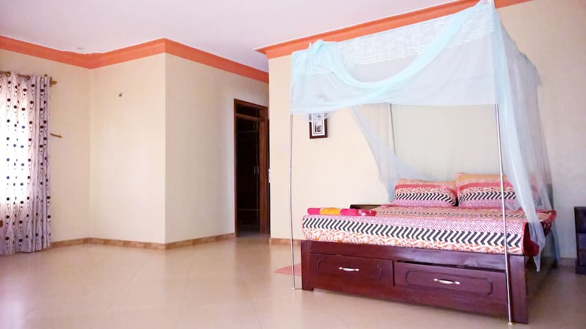 Paam room 706 - Entebbe - Apartmen