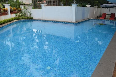 Deluxe Room with  Pool and WiFi In Calangute Goa - Calangute