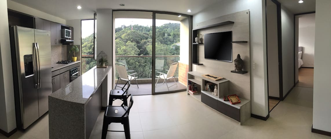New Apartment, Great Location, Close to Nature - Medellín - Pis