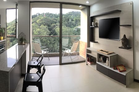 New Apartment, Great Location, Close to Nature - Medellín - Apartmen