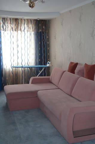 Сдам 2-х комнатную квартиру на пл.  - Kryvyi Rih - Apartment