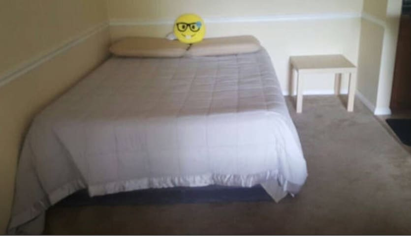 Single bed in north lauderdale - North Lauderdale - อพาร์ทเมนท์