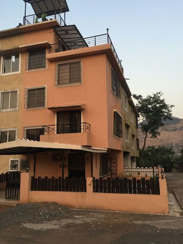 Cozy 2bhk with parking - Lonavala  - House