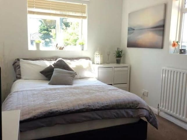 Homely Home close to Central Station & Hospital A