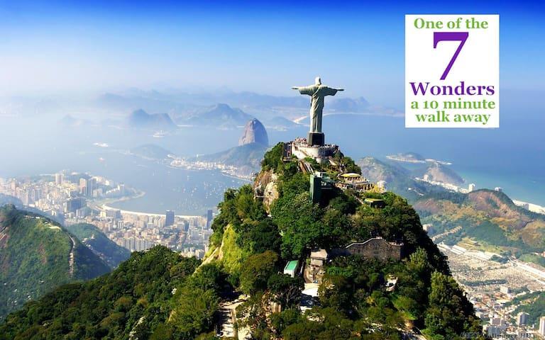 One of the 7 Wonders is here   Uma das 7 Maravilhas é aqui   世界七大奇迹之一基督山在这里